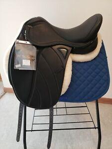"""Gorgeous!! 18"""" M. Toulouse Performance Platinum dressage saddle - MSRP $2499!"""