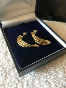 Stunning Hallmarked Solid 18ct gold Twist Design Cuff earrings 33mm, Lovely Gift