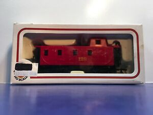 """HO Scale """"128"""" Freight Train Caboose / Bachmann Brand. 2/2"""