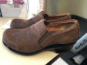 New Ariat Brown Leather Clogs Mules 8.5 Shoes