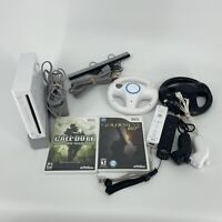 Nintendo Wii Bundle Console / Call of Duty Modern Warfare / Goldeneye 007