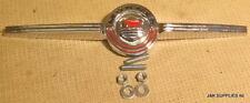 MORRIS BONNET BADGE - MK1 MINI - WITH FIXINGS - ADA3580
