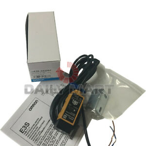 Brand New in Box Omron E3S-DS30B4 Photoelectric Sensor