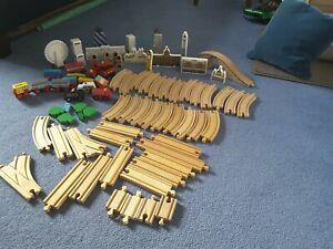 Wooden Train track Set, inc London scenes. 4.5 kgs Brio, bigjigs,, compatible