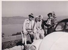 HANS ALBERS mit BREZEL-KÄFER zwischen KOCHELSEE und MITTENWALD * orig. Foto,1949