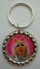MUPPETS MOST WANTED * MISS PIGGY Bottle Cap with Keyring