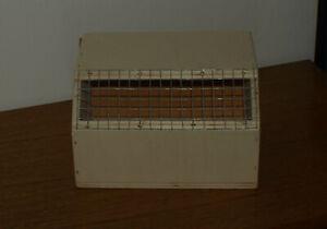 Eine Vogeltransportbox / Versandkiste / KLEIN.