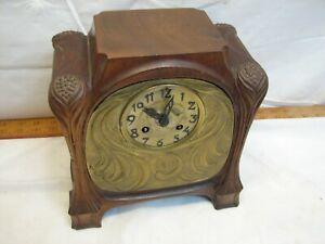 Antique Medaille D'Argent Vincent Art Nouveau Walnut Wood Case Mantle Clock