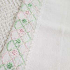 Vintage Retro white cotton embroidered pillowcase 40s 50 60s 70s tv prop