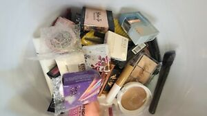 Lot of 62  IPSY, BIRCHBOX ULTA Makeup 💄 Sample & Full Sizes bags FACE ect