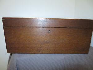beautiful antique vintage large oak wooden collectors box in excellent condition