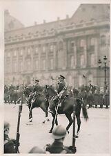 BRUXELLES c. 1930 -Léopold III nouveau Roi de Belgique à Cheval Soldats- PRM 605