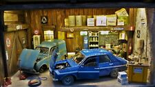 QHC Diorama 1:18 Vintage European workshop with 2 Renault models