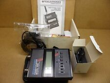OPTOELECTRONICS 3000 HANDI-COUNTER W/PROBE,CASE,CHARGER, OPER. MANUAL NOS