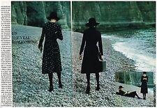 Publicité Advertising 1970 (2 pages) Mode Cacharel par sarah Moon