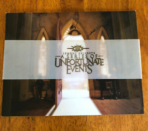 LEMONY SNICKET'S SERIES OF UNFORTUNATE EVENTS 2004 Glossy Promo Book Pressbook