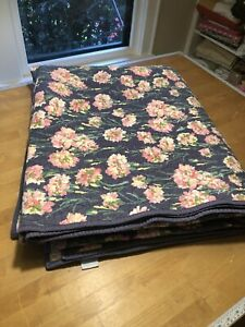Martha Stewart Collection CARNATION FIELDS KING  Reversible Quilt Navy Blue