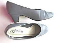 """Auditions Focus Gray Leather Pumps 7.5 WW 2"""" heel in orig box"""