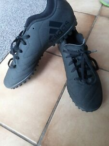 football shoes size 5 Adidas