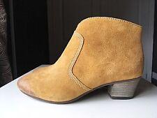 Clarks Softwear Pelle Da Donna Alla Caviglia Tacco Alto Scarpa Stivale Taglia 4 D 37