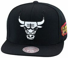 Mitchell & Ness Chicago Bulls Snapback All black/WHITE/1998 jordan 6 black cat
