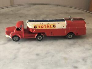 Ancien Jouet Miniature Camion Berliet Jrd Huile Total Bidon Dinky Toys