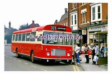 pu0675 - Luton & District Bus - no 393 at Leighton Buzzard in 1987 - photograph