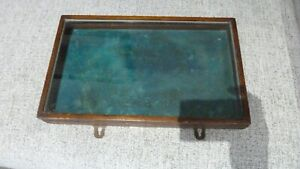 WOODEN/GLASS  VINTAGE DISPLAY BOX
