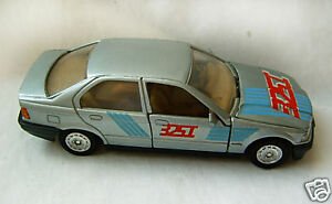 Old Welly BMW 325 i 1/32  toy model  car