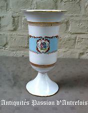 B20151856 - Vase de 23 cm en porcelaine T.Limoge - Peint à la main