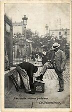 CPA PARIS les petits métiers parisiens Le Décrotteur (305319)