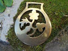 Ancienne décoration Harnais cheval , Horse Brass , décor fleurs laiton