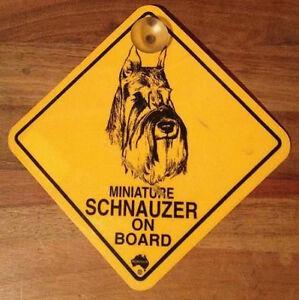 2.Wahl 12cm Roadsign Schild mit Saugnapf MINIATUR SCHNAUZER Warnschild Hund