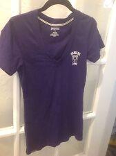 "Purple Short Sleeve V- Neck ""Harvard Law"" T-shirt - M"