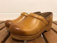 Dansko Professional Honey Distressed Leather Closed Clogs Womens EUR 39 (8.5-9)
