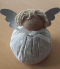 Engel #20 aus Stoff mit Metallflügel
