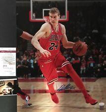 Lauri Markkanen Chicago Bulls Autographed Signed 16x20 Photo JSA WITNESS COA 1