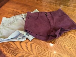 Pair of Juniors American Eagle Shorts size 6 NWT
