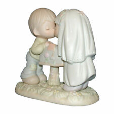 Precious Moments Figurine 524441 ln box Sealed with a Kiss