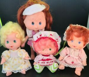 Collectable Vintage 1985 Strawberry Shortcake Figures