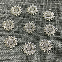 Fashion 10pcs Beauty Sunflower Charms Antiuqe Silver Tone Pendant Bead Making