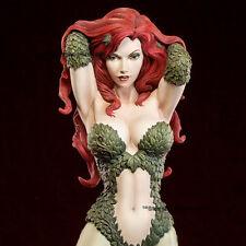 BATMAN - Poison Ivy Premium Format Figure 1/4 Statue Sideshow