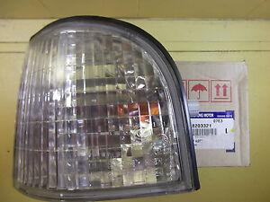 GENUINE MERCEDES BENZ MB VAN MB100 & MB140  FRONT TURN SIGNAL LAMP ASSY - LH