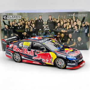 1:18 Classic 2015 Holden VF Commodore Craig Lowndes & Steven Richards #888 18603