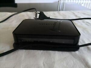 Netgear Powerline AV Ethernet Adapter Switch XAV1004 D-LAN