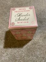 Vintage Avon Field Flowers powder Sachet in Box 1.25oz Milk Glass Gift NIB