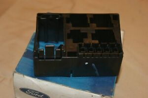 Genuine Ford new old stock Ford 6795151 Mondeo fuse holder 1992-2000