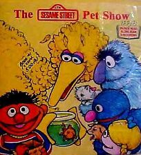 B000I5E1FC The Sesame Street Pet Show (Look Listen and Learn) [Paperback] by Em