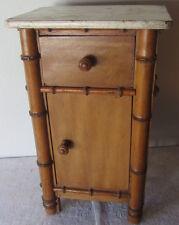 Vecchio mobile/ comodino in legno - da bambola - giocattolo d'epoca
