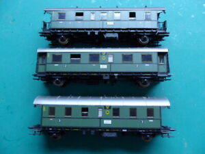 Roco set of 3 HO scale green coaches , NO couplings, Missing buffers  KIT bash